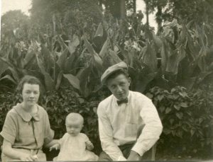 Mary, Junior, George in '25