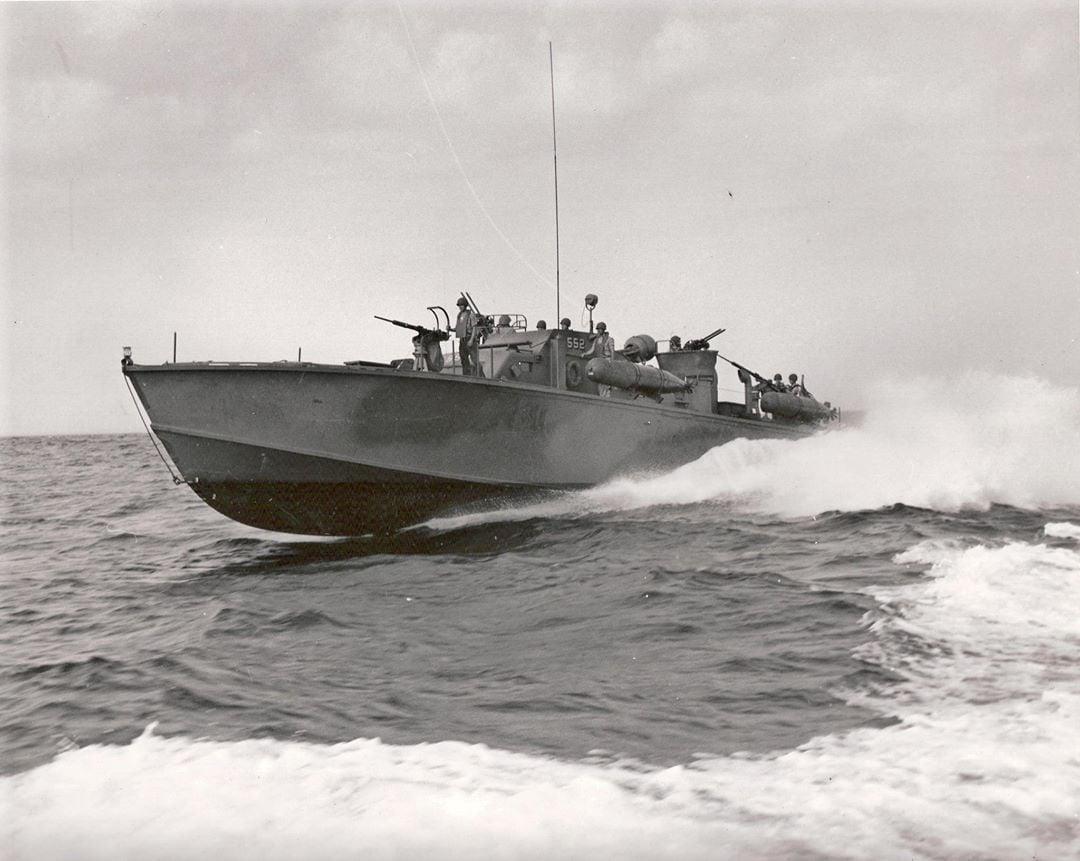 PT 552 throttles up
